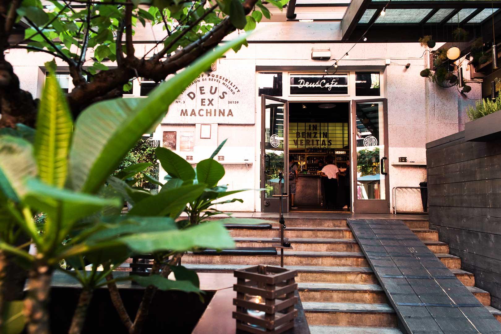 Deus Ex Machina Café