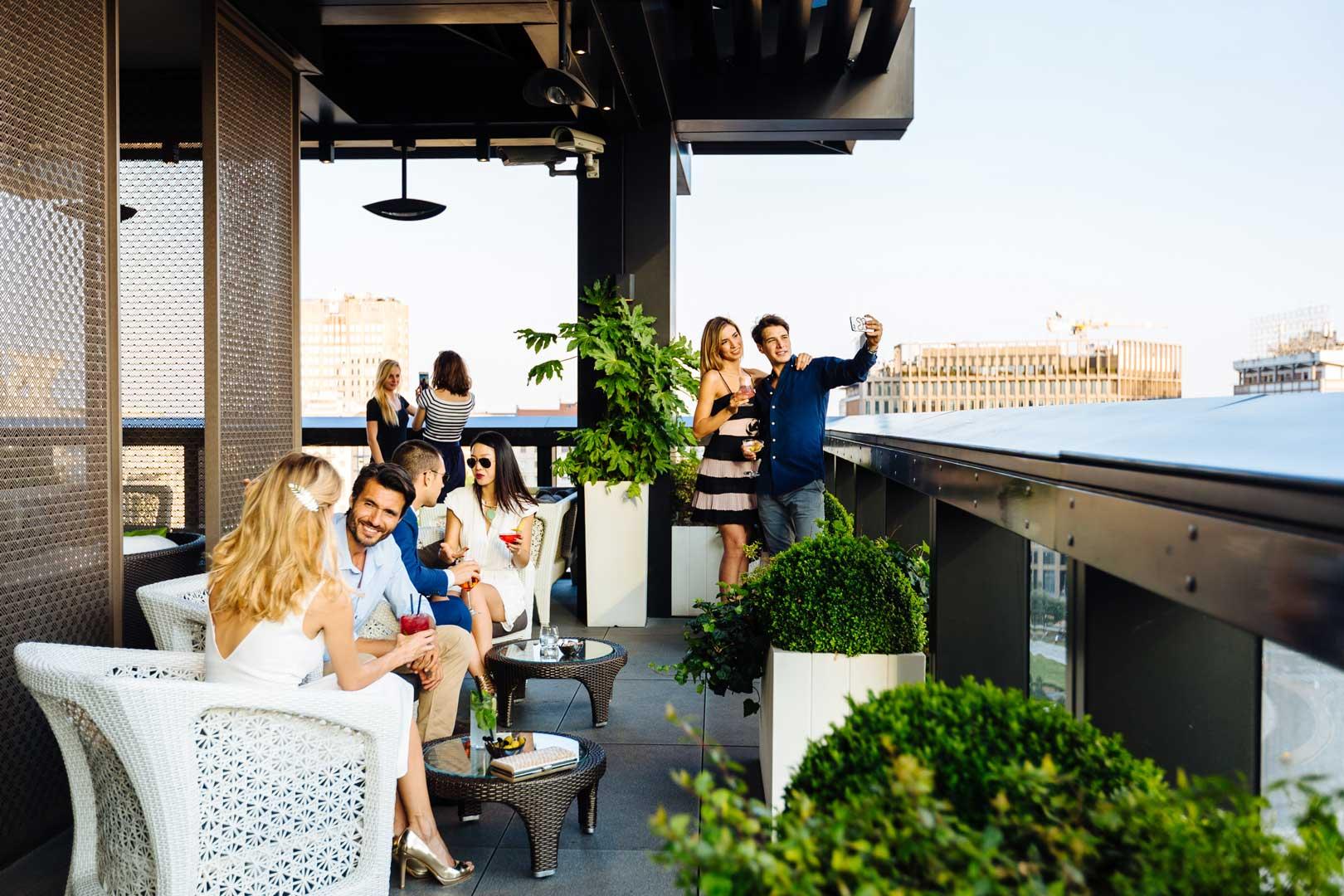 Le terrazze più belle di Milano per l'aperitivo