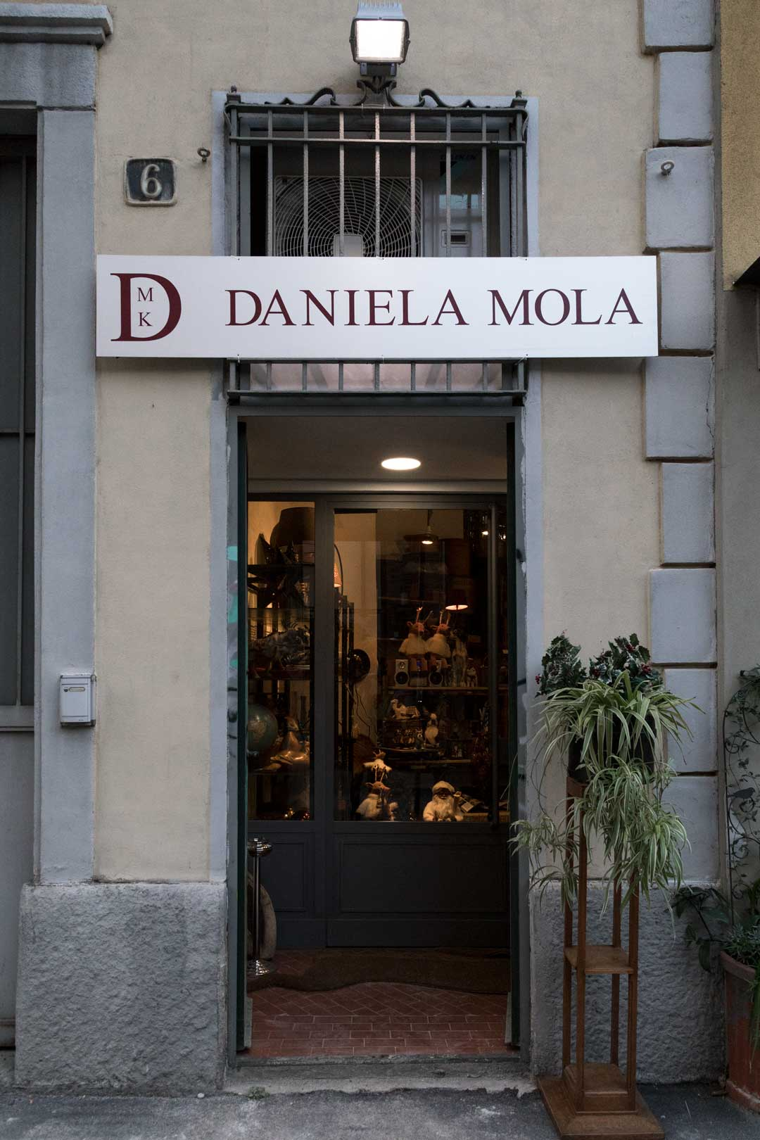 DMK - Daniela Mola | Milano