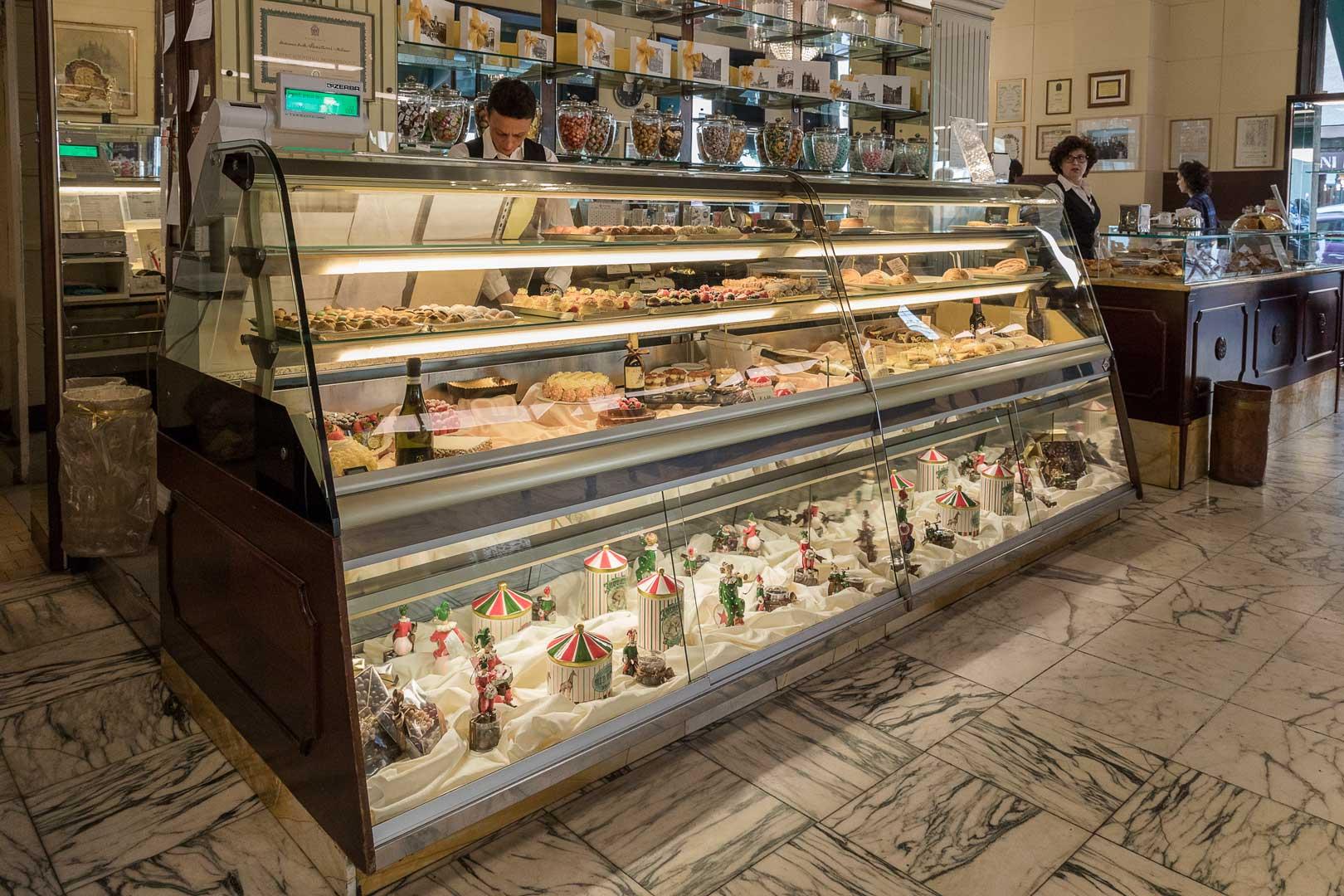 Pasticceria Cucchi | Bancone