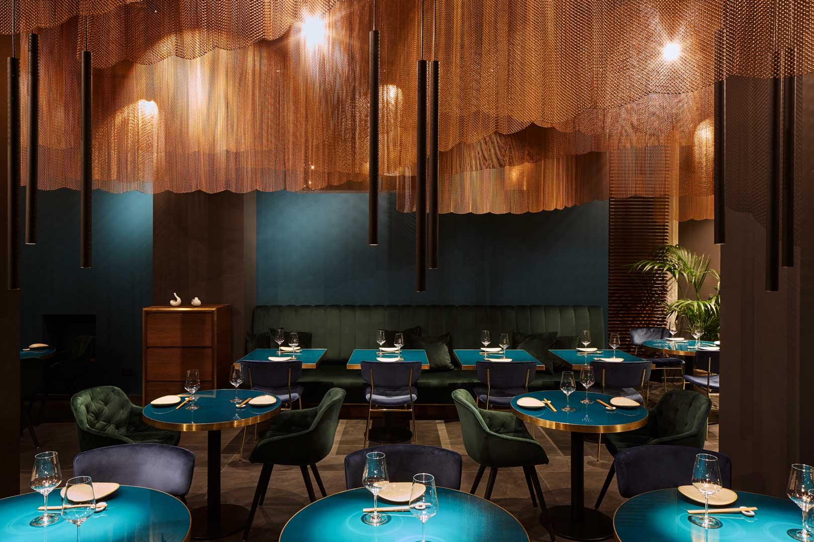 Distribuzione luci in ristorante moderno
