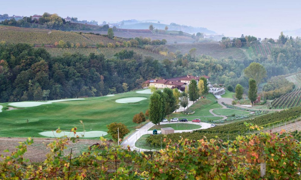 Andando in Langa: RÉVA Vino&Resort