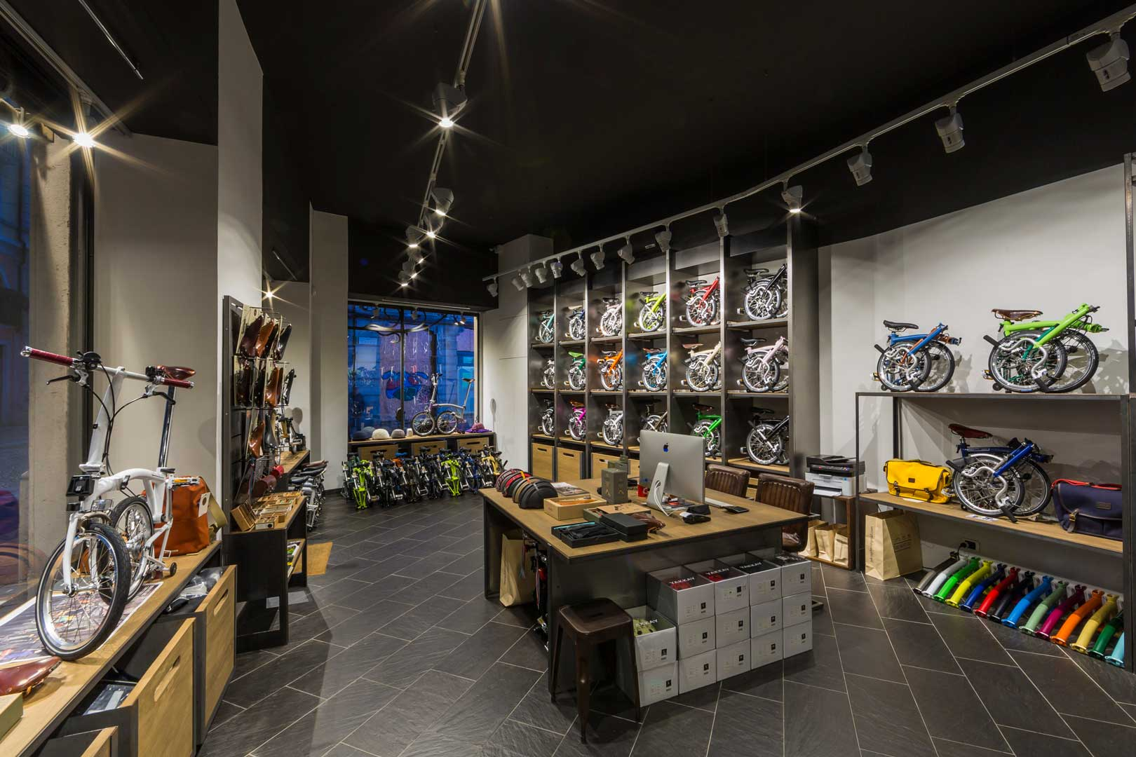 Negozi Di Design A Milano the best sports shops in milan | flawless milano