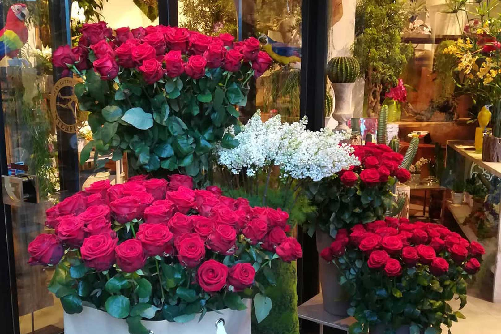 Fiori On Line Milano.The 5 Most Beautiful Rose Shops In Milan Flawless Milano