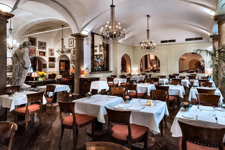 cena-aziendale-a-milano-10-ristoranti-boeucc-milano-1