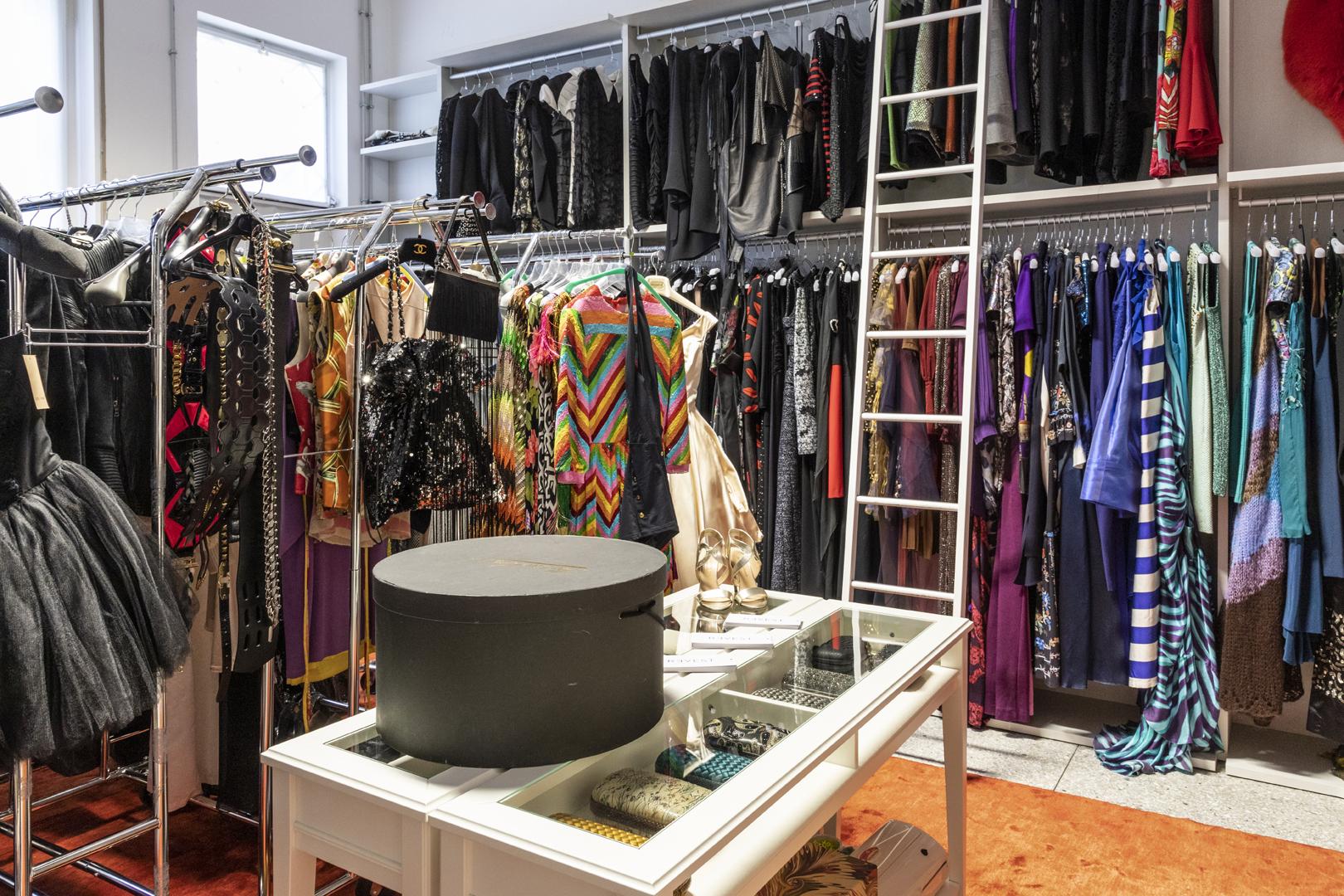 Abiti Da Sera Noleggio Milano.Noleggio Abiti Da Sera A Milano Va Di Moda Il Dress Sharing