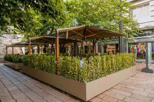 Emporio Armani Caffe e Ristorante Inaugura il suo Giardino