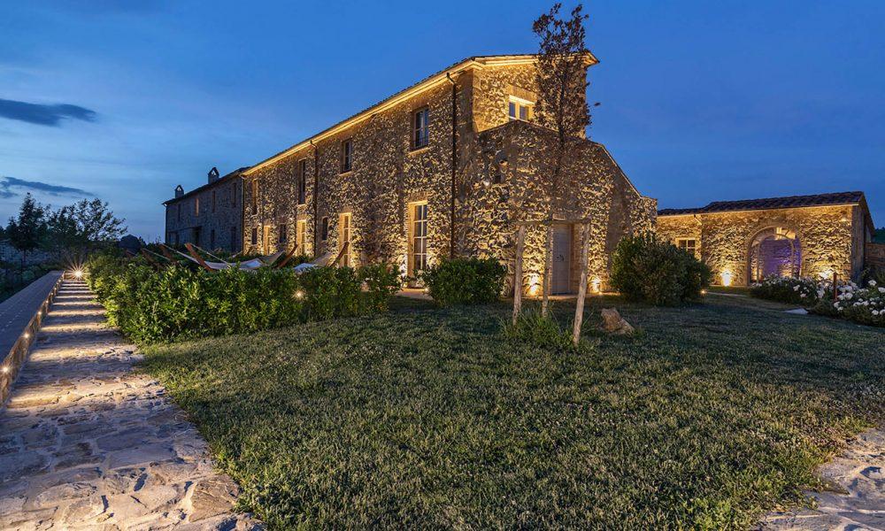 Capanna Suites: un'Esperienza Esclusiva tra Vino e Relax a Montalcino