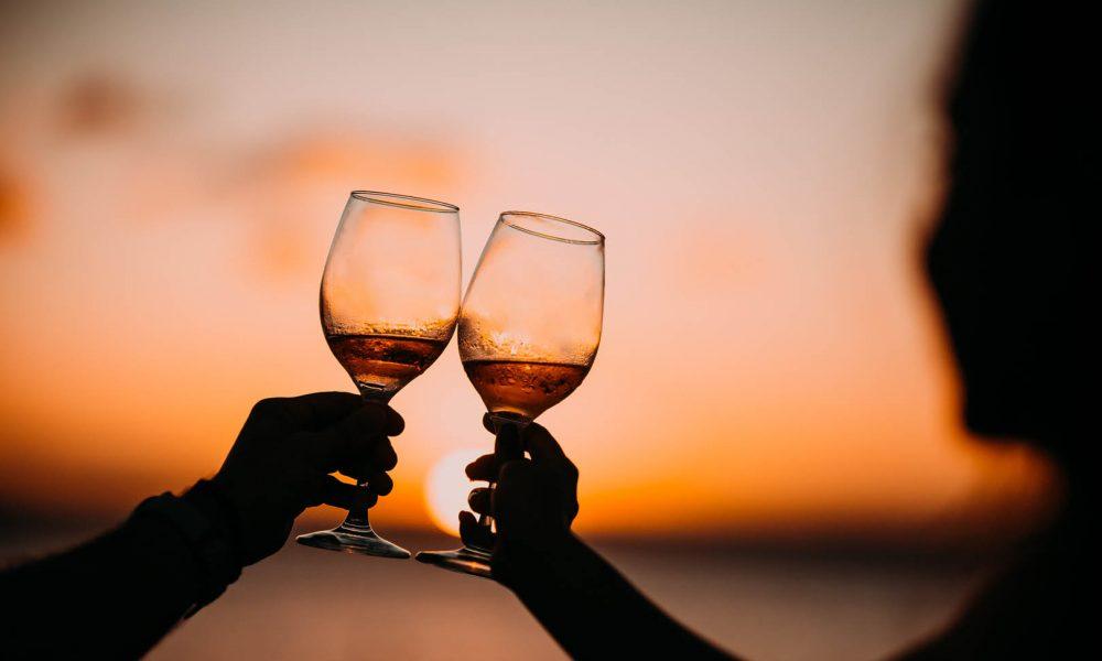 Come Organizzare un Summer Happy Hour a Casa