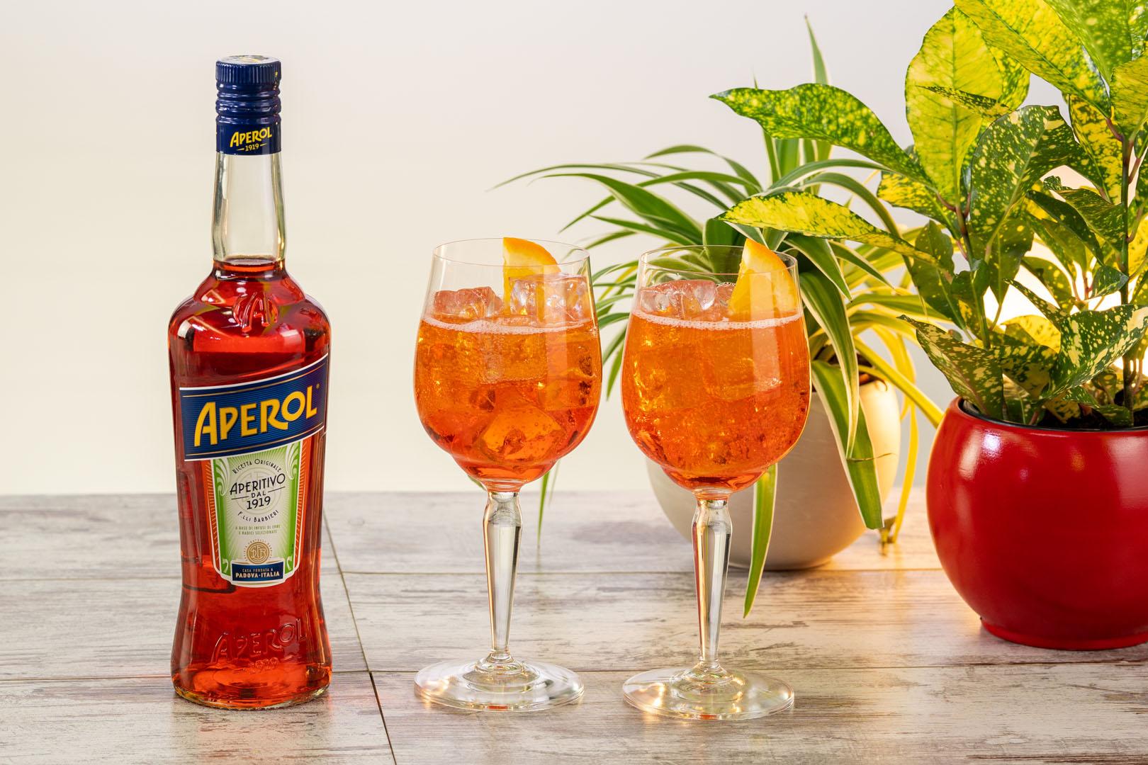 Spritz Aperol Veneto Ricetta.Aperol Spritz Ricetta E Curiosita Dell Iconico Cocktail Da Aperitivo Flawless Life The Lifestyle Guide