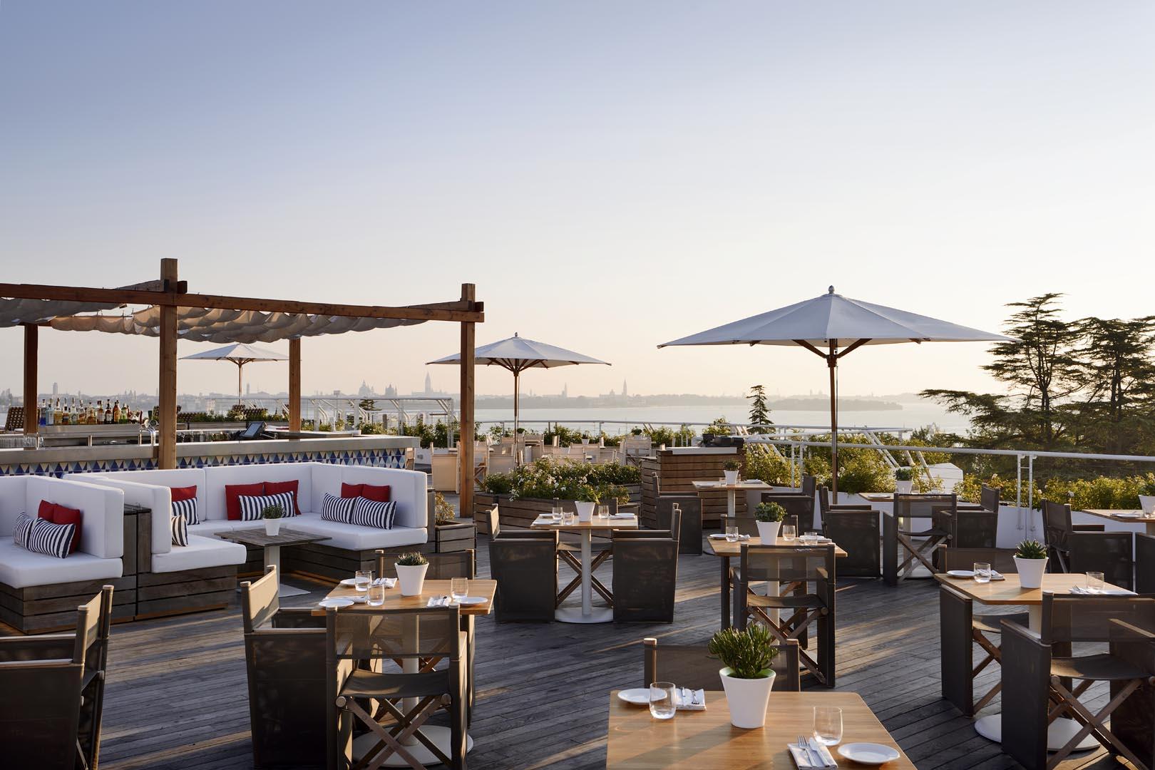 Sagra Poolside Bar