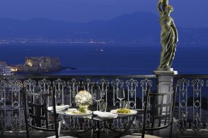 I Ristoranti Romantici a Napoli per un Appuntamento Indimenticabile