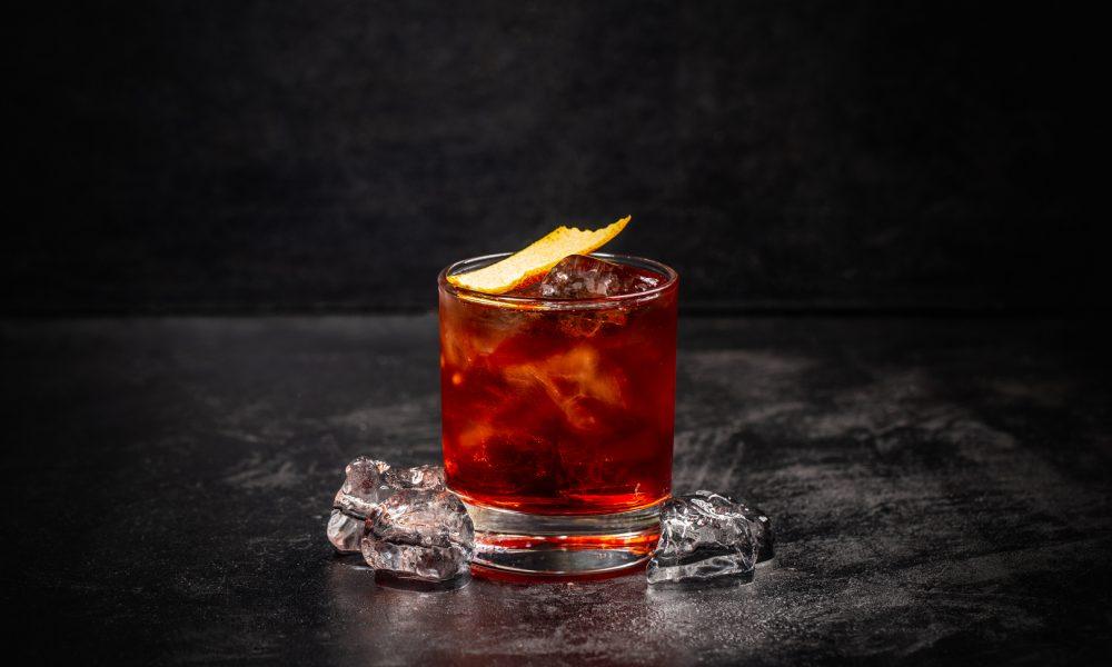 Il Negroni: Storia, Ricetta e Curiosità di un Cocktail Iconico